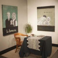 Chelssy Dessailliers, Le grand amour, La bonne vie, Le vrai sexe [installation]. Acrylique et tissu collé sur isorel. Exposition Memento, 2019.